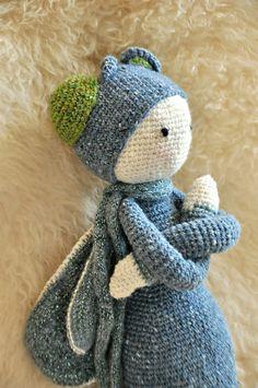 BUZZ the house fly made by alixv / crochet pattern by lalylala