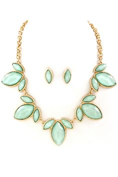 Marquise Emily Necklace in Iridescent Mint