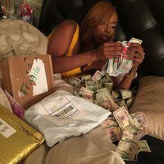Money On My Mind, My Money, Kash Doll, Baby Dolls, Money Pictures, Lil Durk, Money Stacks, Gangsta Girl, Fine Boys
