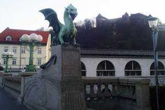 Die Drachenbrücke mit Blick zu den Kolonnaden  #Ljubljana # Laibach #Slowenien