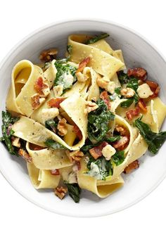 Pappardelle with Bacon and Gruyère Recipe is part of pizza - This pasta dish gets an extra kick from creamy Gruyère, white wine and bacon Pasta Recipes, Dinner Recipes, Cooking Recipes, Healthy Recipes, Pot Pasta, Pasta Dishes, Lunches And Dinners, Meals, Weeknight Dinners