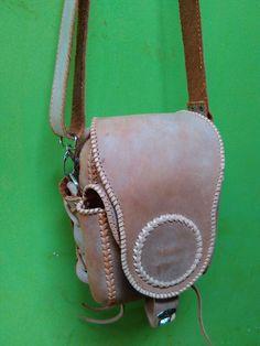 Handstitch slingbag