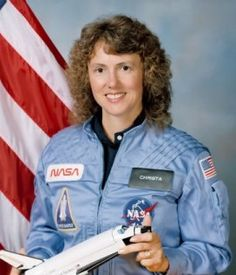An official NASA photo of Christa McAuliffe holding a model of the Challenger shuttle. McAuliffe, a teacher from New Hampshire, was chosen by NASA to be the Challenger Crew, Challenger Explosion, Nasa Astronauts, Arab American, American Women, American History, Space Launch Schedule, Christa Mcauliffe, Space Shuttle