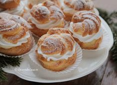 Choux a la creme - DesertdeCasa. Sweets Recipes, Cooking Recipes, Desserts, Jacque Pepin, Doughnut, Cheesecake, Muffin, Cream, Breakfast
