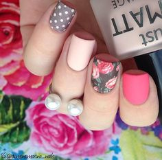 Nail art Christmas - the festive spirit on the nails. Over 70 creative ideas and tutorials - My Nails Cute Nails, Pretty Nails, My Nails, Spring Nails, Summer Nails, Artificial Nails, Flower Nails, Gorgeous Nails, Simple Nails