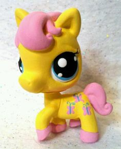 Fluttershy * Custom Hand Painted Littlest Pet Shop My Little Pony