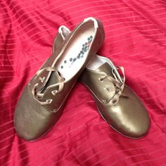 Vivobarefoot shoes Never worn (too small) bronze shoes by vivobarefoot...minamalist shoe meets fashion! Super cute! Size 37 or 7 US Vivobarefoot Shoes Flats & Loafers