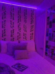 Neon Bedroom, Cute Bedroom Decor, Room Design Bedroom, Teen Room Decor, Room Ideas Bedroom, Bedroom Inspo, Trendy Bedroom, Purple Bedrooms, Bed Room