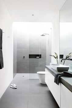 99 Small Master Bathroom Makeover Ideas on a Budget - Best Bathroom Tiles, Grey Bathrooms, Bathroom Layout, Modern Bathroom Design, Bathroom Interior Design, Bathroom Flooring, Master Bathroom, Bathroom Small, Master Bedrooms