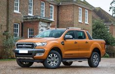 The 2017 Ford Ranger has got some exterior tweaks too. The car is likely to be offered in 4 trims- XL, XLS, XLT, and Wildtrak.