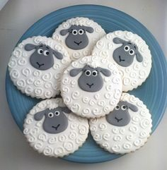 sheep cookies, lamb cookies, hand decorated cookies, hand decorated cookies Los Angeles, baby shower cookies, baby shower party favors