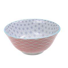 Cette série de bols japonais est magnifique! Il faudra malheureusement attendre 2035 pour pouvoir les palper sur photo! La porcelaine est épaisse, un léger relief suit les motifs. Ces bols sont robustes et originaux dans leur design. De beaux objets du plus bel effet sur une étagère de cuisine. 9,00 € http://www.lafolleadresse.com/japonaise-etoiles/721-bol-15-cm-intérieur-gris-extérieur-corail.html