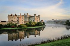 50 of the world's most beautiful castles & palaces Tours Of England, Travel England, England Uk, White Cliffs Of Dover, Leeds Castle, Canterbury Cathedral, Castles In England, London Tours, Cathedral City