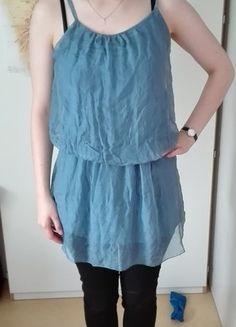 Kaufe meinen Artikel bei #Kleiderkreisel http://www.kleiderkreisel.de/damenmode/blusen/132390692-hellblaues-seidenoberteil-auch-als-kleid