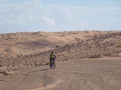 Nuestro viaje en bici de fin de año en el Sur de Túnez. http://www.rutaspangea.com/excursiones-rutas/48/248/fin-de-ano-en-bicicleta-por-el-desierto-tunecino