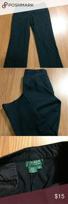 "Lauren Ralph Lauren womens black chino size 12 Lauren Ralph Lauren Chino size 12 black in good preowned condition Measurements Waist 16"" Length 29 1/2"" Thanks for stopping by my closet Lauren Ralph Lauren Pants"