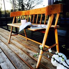 My favorite place on the porch...  @peam_design#interior#design#porch@afternooncoffee#bench#hkliving