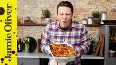 Scottish Recipes, Turkish Recipes, Romanian Recipes, Lasagna Recipe Jamie Oliver, How To Make Lasagne, Jaimie Oliver, Tomato Pasta Sauce, Party, Kitchens