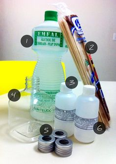 Fragrance your home for less with this: How to make a reed diffuser 1 Aromatizador de Ambientes Faça você mesmo! Home Hacks, Soap Making, Spray Bottle, Tricks, Cleaning Hacks, Diy And Crafts, Creations, Fragrance, Diy Projects