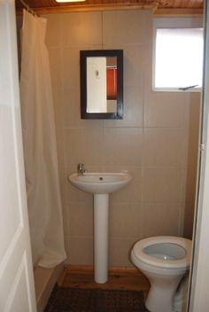 bathroom green point