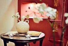 Wolfryz Salon. Olga Wolf Vase, Table Decorations, Wolf, Furniture, Home Decor, Decoration Home, Room Decor, Wolves, Home Furnishings