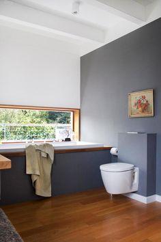 1 Blick Ins #Badezimmer #weiß #grau# Eichenholz #Bad.