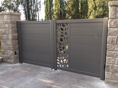 Décor tôle découpe laser OPUS House Fence Design, House Main Gates Design, Front Gate Design, Door Gate Design, Gate Designs Modern, Modern Fence Design, Compound Gate Design, Grill Gate, Jaali Design