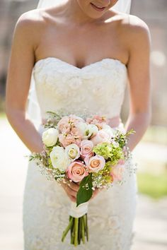 20 Lovely Soft Pink Wedding Bouquets - MODwedding