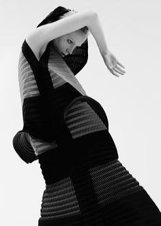 Sculptural Fashion - cone dress with micro pleated textures // Ph. Fabio Piemonte