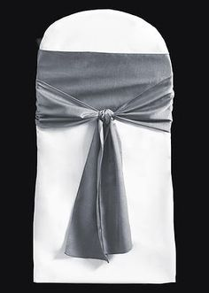 Simple Fluff Knot Sash Tie | Sashes are an appealing and inexpensive way to add your style and flair to an event. Plus, we offer a variety of fabrics (poly, organza, satin, crush, and more) and more than 80 colors. #dressyourday #weddingfairmn