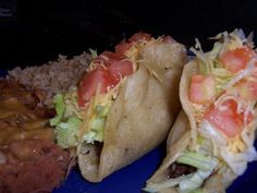 Shredded Beef Tacos - Authentic Mexican Style Notes: for only people cut recipe in half. omit chili powder or reduce by half if giving to spicy-sensitive **reduce salt (from 2 tsp to 1 tsp for 2 lb meat) Authentic Mexican Recipes, Mexican Food Recipes, Beef Recipes, Cooking Recipes, Yummy Recipes, Yummy Food, Healthy Food, Dinner Recipes, Tacos Mexicanos