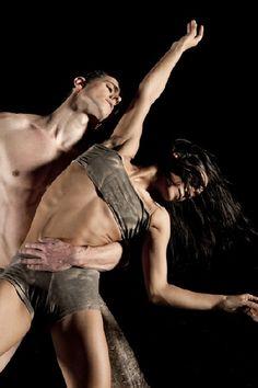 Cinthia Labaronne Gilles Porte Julien Lestel (soloist and choreographer).