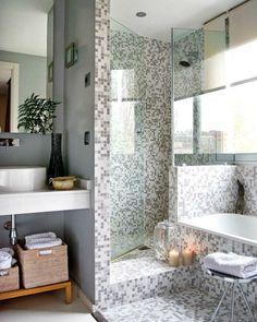 Seguramente una de las pequeñas obras que mas se acometen en una vivienda es cambiar la bañera por el plato de ducha.  Una obra...