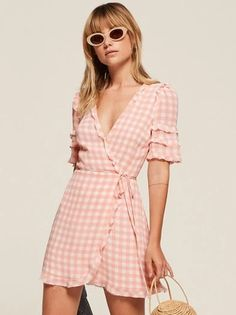 Let the ruffles do the talking. This is a mini length, wrap dress with a v neckline and a ruffle edged bodice. Cute Dresses, Short Dresses, Cute Outfits, Summer Dresses, Mode Inspiration, Dream Dress, Well Dressed, Spring Outfits, Street Style
