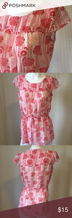 Breezy beautiful top by tulle size M Lovely red and cream floral top can be cinched at waistline or worn loose in a more tunic style. Cap sleeves. Excellent condition! Just a pretty piece and perfect for spring and summer 🌷☀️happy poshing. Offers always welcomed Tulle Tops
