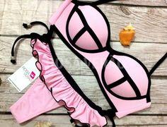 Biquíni 3D Rosa Bebê com calcinha de babados. Possui bojo impermeável e acompanha alça removível. #biquini #biquini3d #triangl #verao2015 #verao2016 #bikini www.rosaverao.com.br