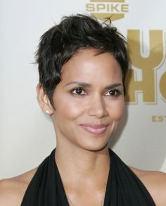 Halle Berrys chic short cropped hairstyle