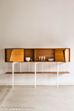 SOLID WOOD SIDEBOARD WITH DOORS NEUS | JO-A