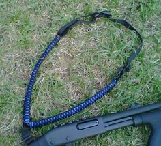 Single point paracord sling contains approximately 100′ of cord.
