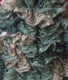 """Sashay Ruffled 15"""" Christmas Tree via Craftsy"""