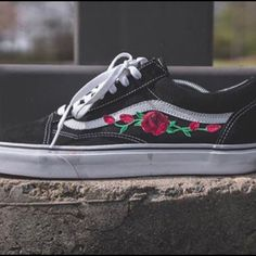 AUTHENTIC Custom made vans!! Made to order only takes a few days. You can choose any type of vans you want just notify me which ones you'd rather have. Other colors are available as well. Does come with box. Offers are welcome! NO TRADES!!