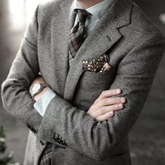 Tweed blazer.. would be really nice for city dates.