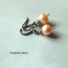 handmade small pearl earrings http://dragonflysjewelry.blogspot.cz/