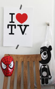 Funny - what kid doesn't love TV? Love this with black washi.  #littlenest #pinparty