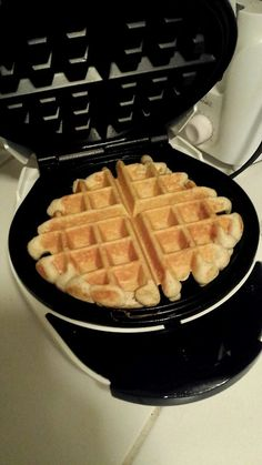 Protein waffle: 1 scoop of whey 1 egg 1/4c oats 1/4tsp baking powder Cinnamon to taste Tips: add almond milk if the batter is too thick but remember that it should be kind of thick.