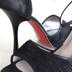 www.felinashoes.com Argentine Tango Shoes from NeoTango shoes. Leather shoes. Stilettos. Black pleated satin. Red sole. Sizes 4 (34), Size 5 (35), Size 6 (36), Size 7 (37), Size 8 (38), Size 9 (39), Size 10 (40), Size 11 (41)