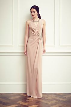 Jenny Packham Resort 2015 Fashion Show Collection: See the complete Jenny Packham Resort 2015 collection.Jenny Packham Resort Highlights 2015 pinned by Maria MásJenny Packham Ready To Wear Spring/SummerWelcome to the world of Jenny Packham. Jenny Packham, Beautiful Gowns, Beautiful Outfits, Elegant Dresses, Pretty Dresses, Look Fashion, Runway Fashion, Big Fashion, Couture Dresses