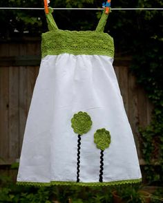 Linen dress w/ crochet bodice. kids dress...So making this for trip. Maybe with navy...although the green is stunning