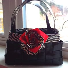 Duct Tape Purse- deffinatly want to make this sometime