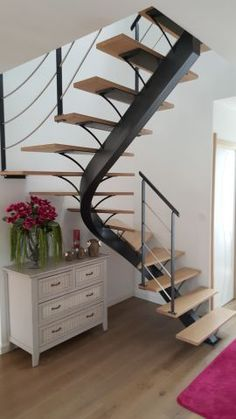Clever Spiral Stair Ideas for Small Space Home Decor - Home Decor Spiral Stairs Design, Home Stairs Design, Interior Stairs, Roof Design, House Design, Tiny House Stairs, Building Stairs, Steel Stairs, Modern Stairs